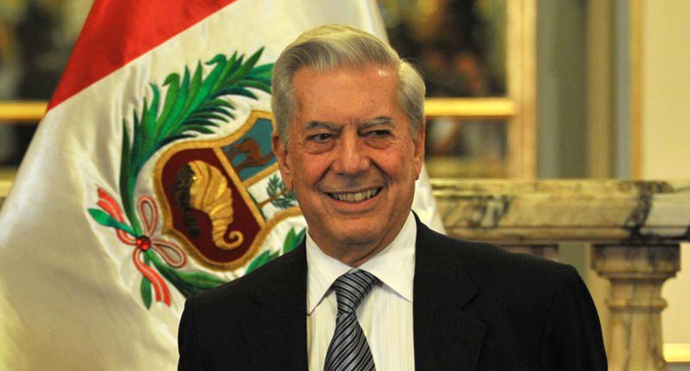 Vargas Llosa contento con homenaje que le hará Universitario