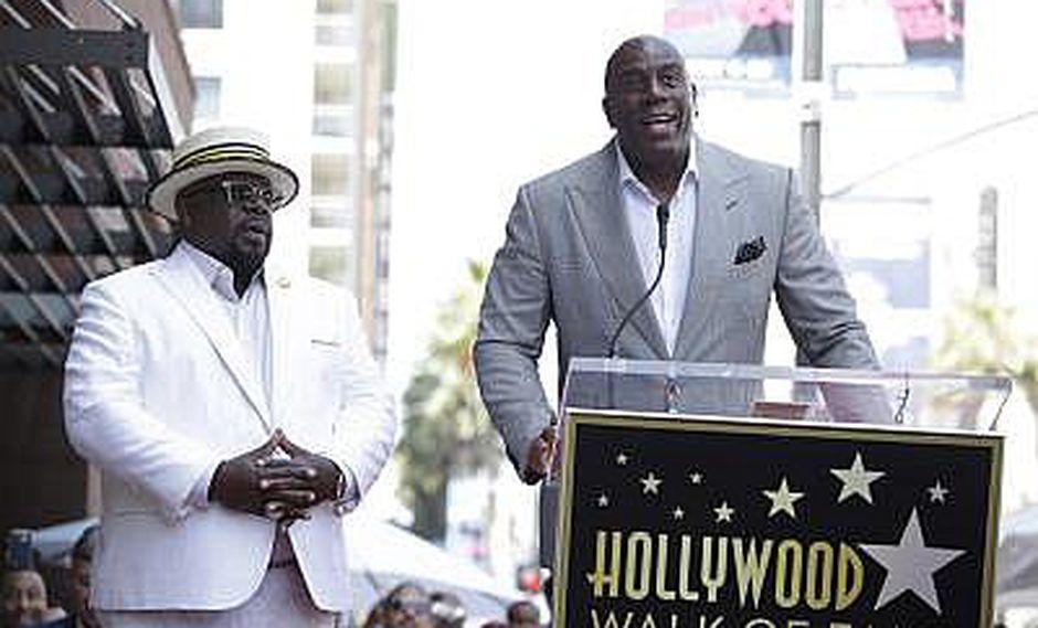 NBA: Magic Johnson renuncia como presidente de los Lakers