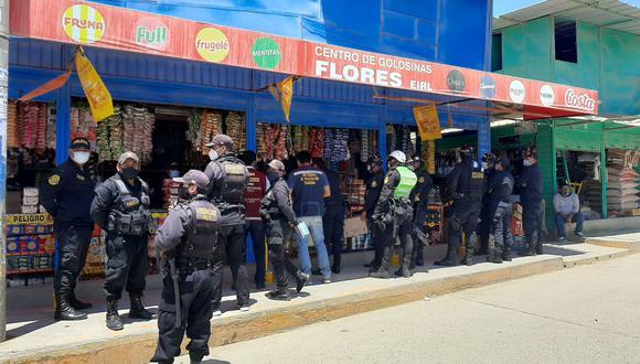 Piura: policía incautó cerca de 30 mil cigarrillos de contrabando provenientes de tres países (Foto: PNP).