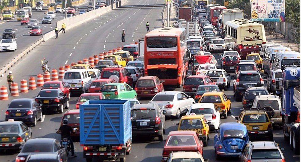 ¿Cuánto dinero y tiempo invierten los limeños por el tráfico vehicular?