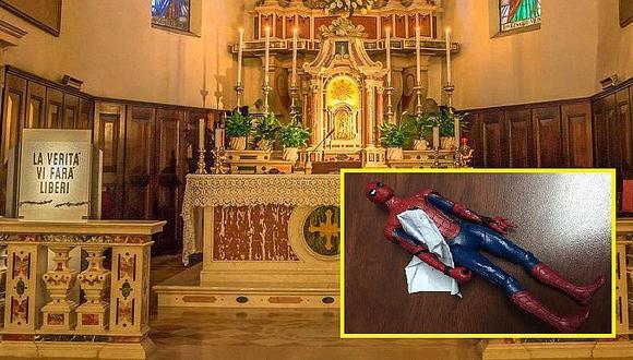 Twitter: niño deja juguete de spiderman en iglesia y de paso pide milagrito a Dios