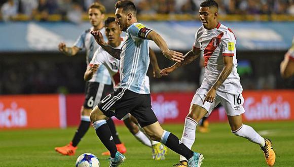 Sergio Peña fue titular en ese partido ante Argentina y jugó 53 minutos. (Foto: AFP)