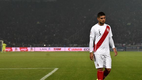 Carlos Zambrano se encuentra suspendido para representar a la bicolor por Eliminatorias. (Foto: AFP)