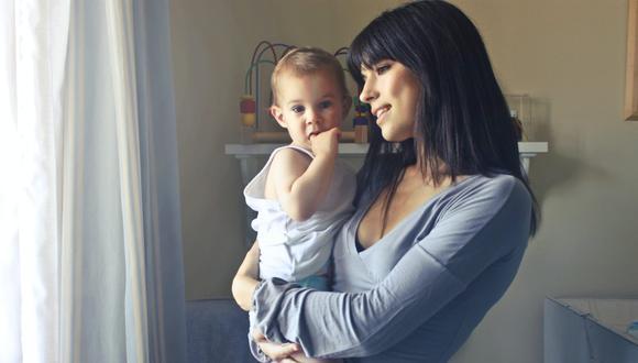 Cuando un bebé llora es importante ver lo que necesita y no dejarlo solo y sin atención. (Foto: Andrea Piacquadio / Pexels)