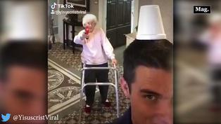 Nieto pone a prueba el pulso de su abuelita