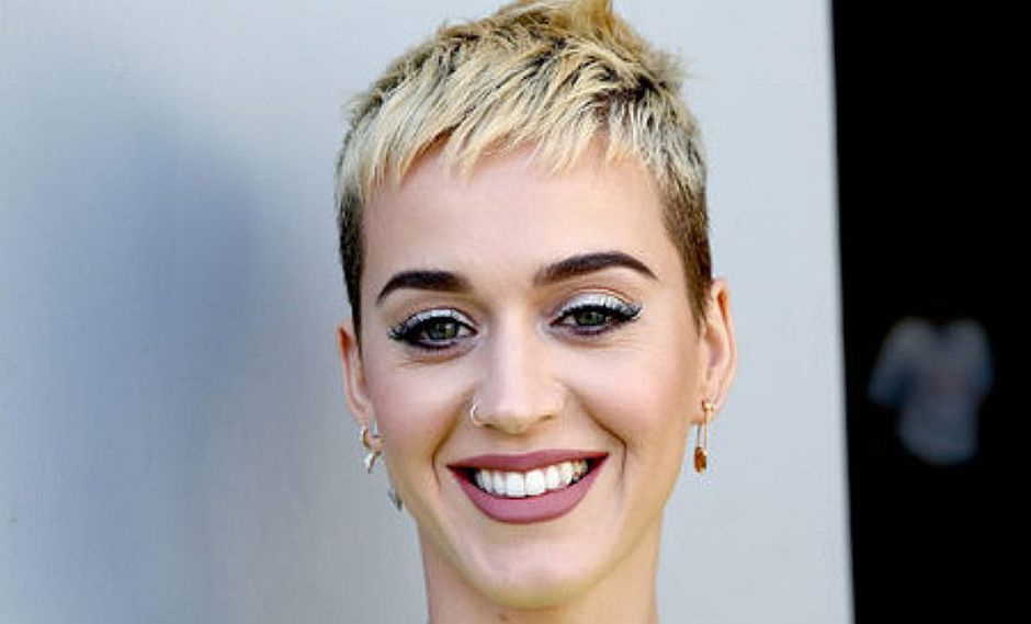 Katy Perry da giro radical a su apariencia con alocado cambio de look