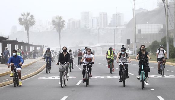 Durante varias semanas se restringió el tránsito vehicular de autos privados los días domingos. (Foto: Jesús Saucedo/@photo.gec)