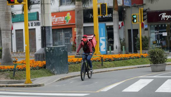 Si está permitido salir a pie o en bicicleta para hacer la adquisición de productos de primera necesidad, medicinas y recojo de alimentos en restaurantes. (Foto: GEC)