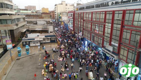 Hace una semana la Municipalidad de Lima inició el Plan Navidad Segura 360° 2020, pero persisten las aglomeraciones. (Foto: Bryan Albornoz / GEC)