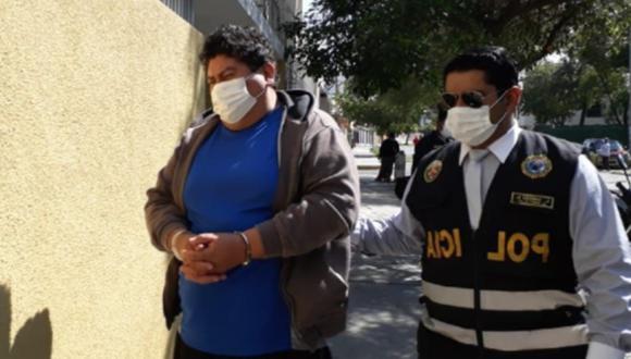 Arequipa: Detienen a policía que pidió coima de 850 soles a chofer para no ponerle papeleta.