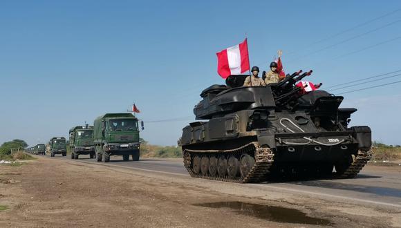 Comando Conjunto de las Fuerzas Armadas, señaló que los vehículos blindados permanecen custodiando la frontera con el Ecuador (Foto: CC.FF.AA.)