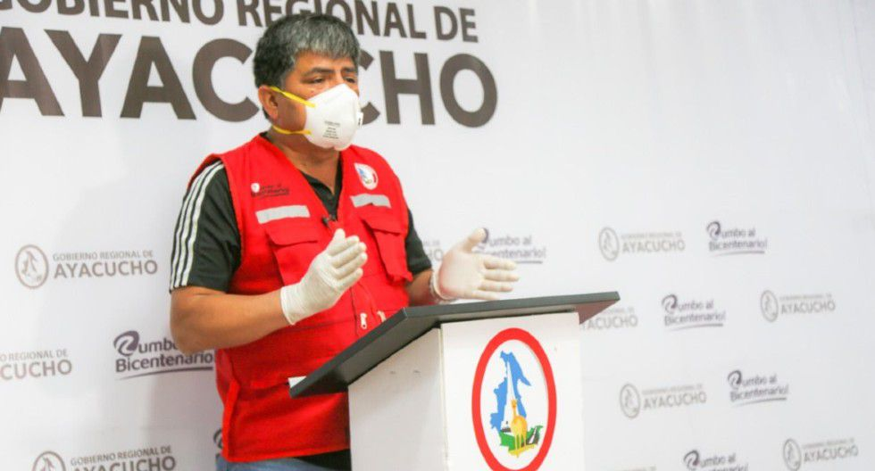 Ayacucho: Gobernador regional de Ayacucho, Carlos Rúa, pide más pruebas y equipos para atender casos de coronavirus en su región.