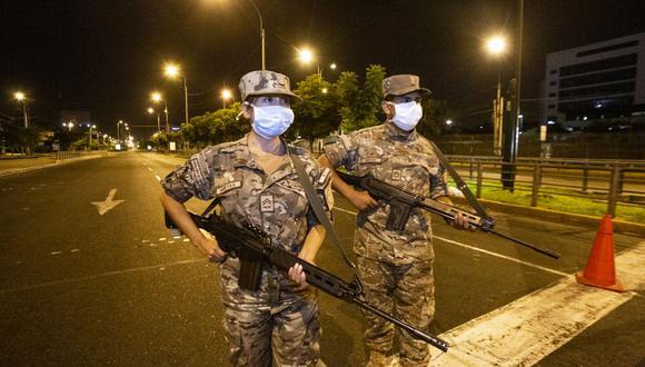 Militares en las calles. (Foto: GEC)