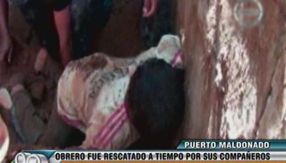 Puerto Maldonado: Obrero casi muere sepultado en zanja [VIDEO]