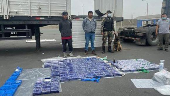 El chofer y el copiloto del camión que transportaba droga fueron detenidos. (Foto: PNP)