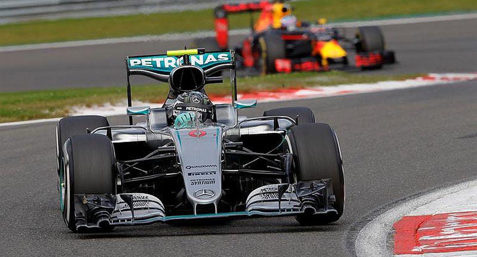 Fórmula 1: Rosberg logra triunfo que es poco por gran carrera de Hamilton