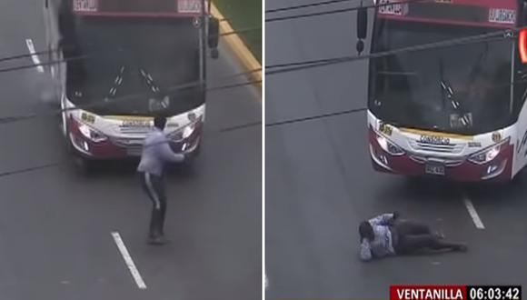 'Jaladora' intenta ayudar a peatones a cruzar pero termina arrollada por bus (VIDEO)