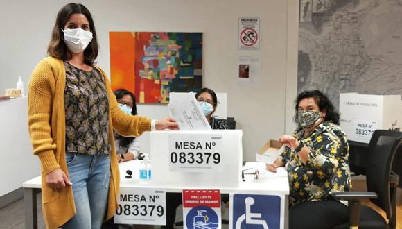 Ciudadanos peruanos comenzaron a votar en Wellington y Auckland, Nueva Zelanda. (Foto: Twitter Cancillería Perú).