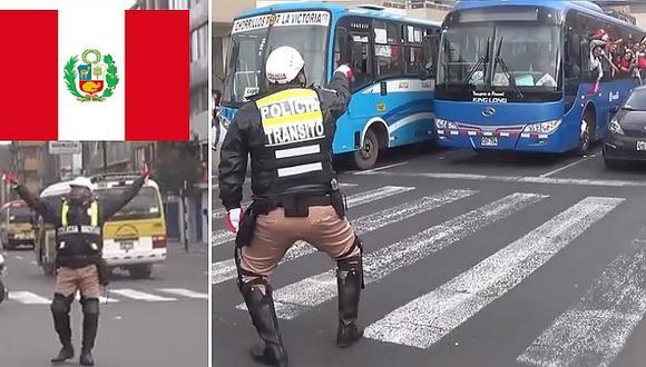 Policía de tránsito alienta a la blanquirroja y sorprende a todos previo al Perú vs. Colombia (VIDEO)