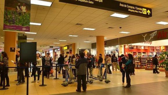 Más de 3 millones de peruanos han salido del país y no han vuelto en más de 25 años