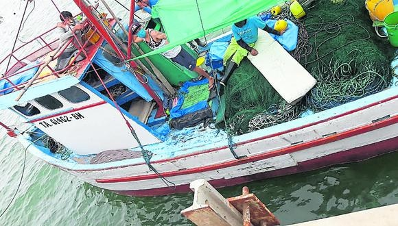 Tumbes: los dos pescadores sobrevivientes presentan desidratación moderada, policontuso e hipotermia. (Foto: GEC)