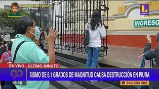 Piuranos se ponen rezar de rodillas en la puerta de la Catedral tras fuerte sismo | VIDEO