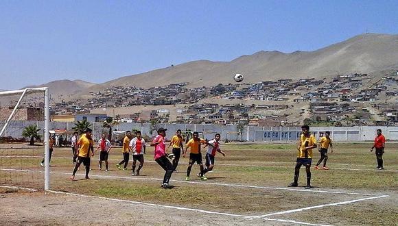 "Ancón: Municipio prohibe ""full vaso"" en losas deportivas"