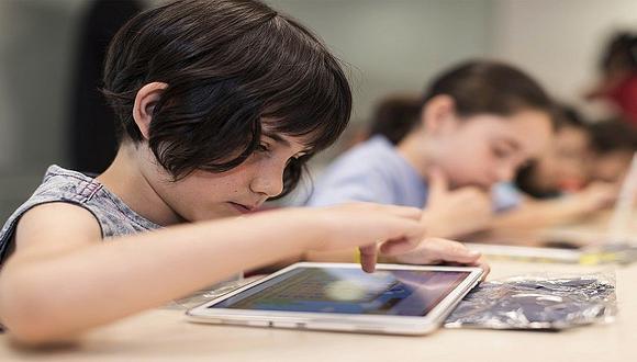 ¿Cómo funciona un maestro virtual para los niños?
