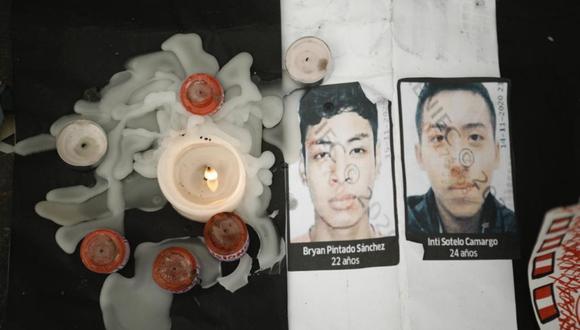 Desde anoche varios dejaron velas junto a la foto de las dos víctimas mortales de los hechos violentos que se vivió en dicho punto el pasado sábado 14 de noviembre. (Foto: Joel Alonzo/  @photo.gec)