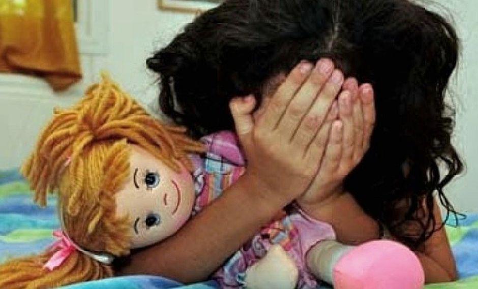 Niña de 3 años que fue violada y quemada con ácido lucha por su vida