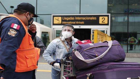 Viajeros deben contar con una prueba molecular o antígena con resultado negativo al COVID-19. (Foto: Leandro Britto / GEC)