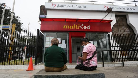 El objetivo de la banca celular es evitar aglomeraciones y colas en los bancos. (Foto: Fernando Sangama | GEC)