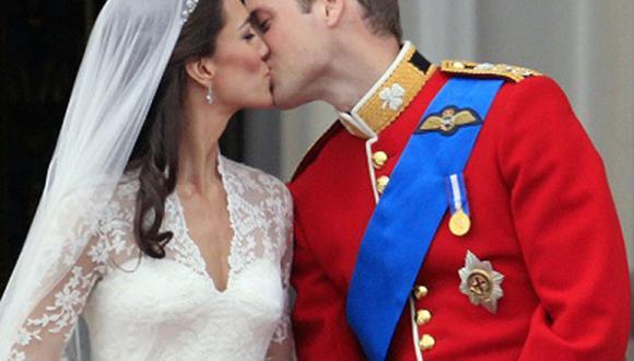El beso entre el Príncipe William y Kate selló la boda real