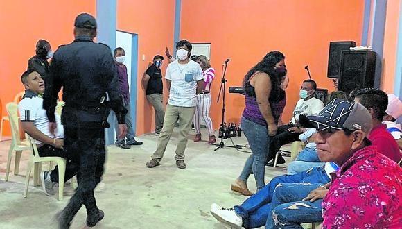 Tumbes: los asistentes no usaban mascarillas y no respetaban el distanciamiento social obligatorio. (Foto: PNP)