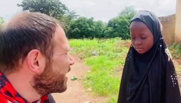 Un video viral muestra la insólita respuesta de una niña al recibir una muñeca como regalo de parte de un activista. | Crédito: bilal_erkus / Instagram.