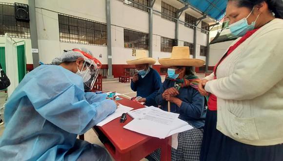 Cajamarca: este viernes 9 concluirá la vacunación de adultos mayores con las primeras 1,170 dosis destinados a la población del SIS. (Foto: Diresa)