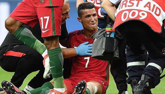Eurocopa 2016: Cristiano Ronaldo se va llorando de la final por lesión [FOTOS]