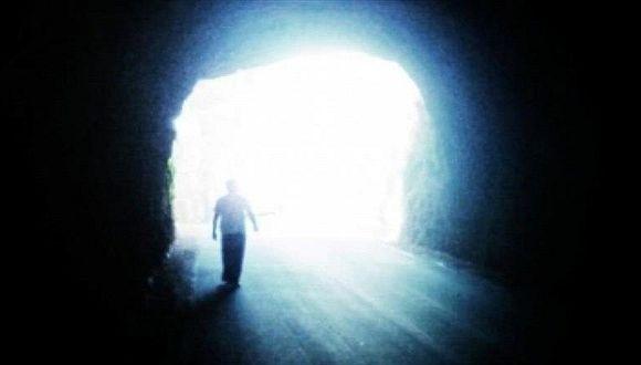 ¿A quién vemos antes de morir? Nuevo estudio revela algo sorprendente
