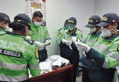 Huancayo: Policías fabrican 500 mascarillas con papel toalla para personas de bajos recursos