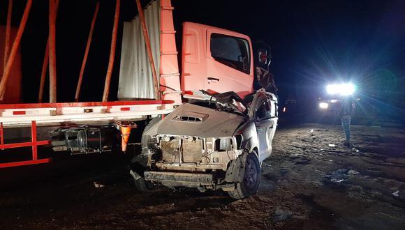 Lambayeque: Tráiler y camioneta terminan empotrados tras violento accidente (Foto: PNP)