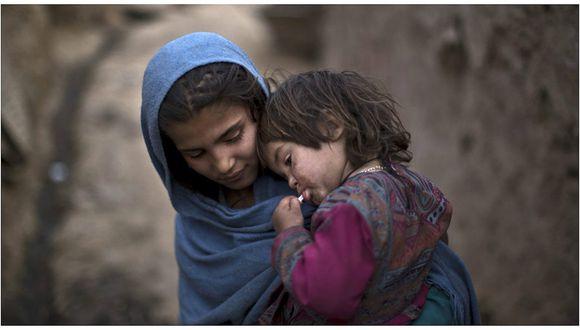 Afganistán: Casa a su hija de 6 años con un hombre de 55 a cambio de una cabra [VIDEO]