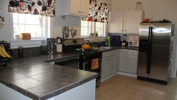 A más consumo de alimentos en casa, mayor debe ser la frecuencia de limpieza de los electrodomésticos. (Foto: Ben Landers / Pexels)