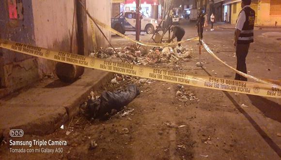 Hombre fue asesinado por sus amigos que abandonaron su cadáver dentro de una bolsa de dormir en un basural.