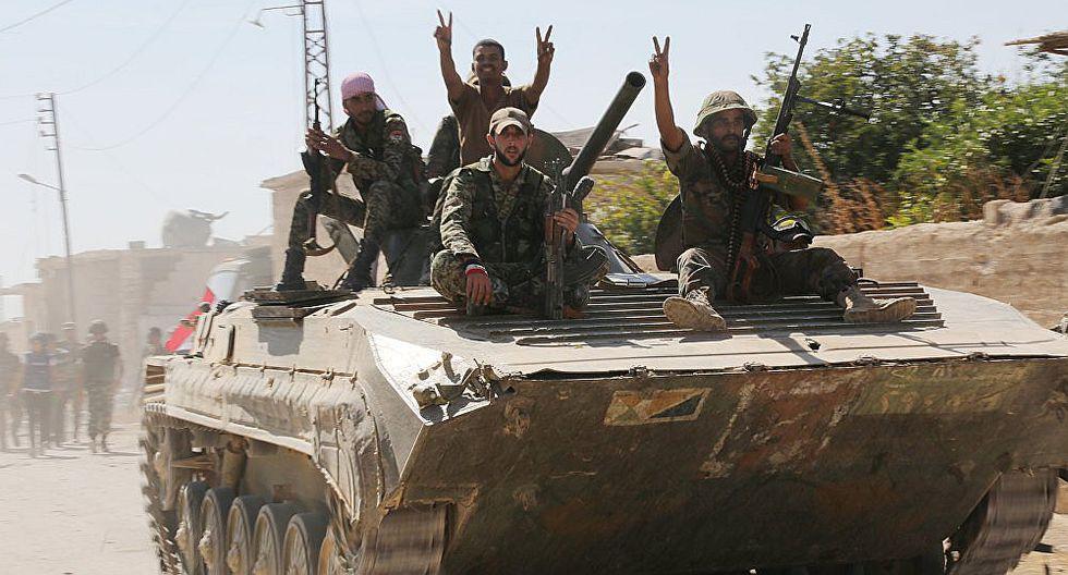 Ejército de Siria continúa su progreso por el sur de Alepo y toma una colina