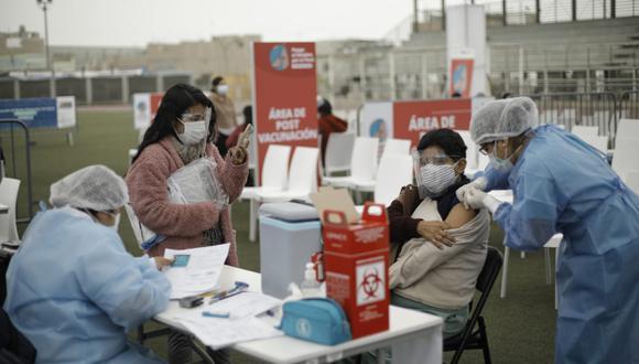 Se amplió el horario de vacunación contra el COVID-19 en los centros de vacunación. (Foto: Joel Alonzo/GEC)