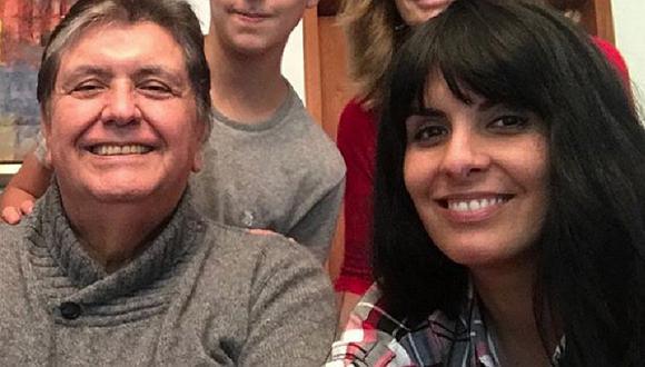 Carla García hace aclaración antes que la juzguen por salir tras muerte de Alan García