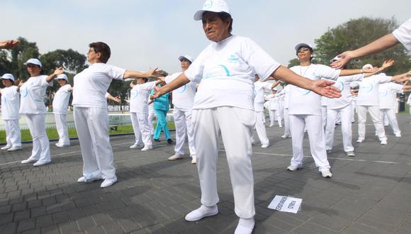 EsSalud advierte que ancianos habrían podido perder masa muscular por el aislamiento (Foto: EsSalud)