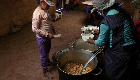 """""""Las ollas y comedores comunes son una respuesta organizada de sobrevivencia de la población ante la pandemia y la subida de precios en la canasta básica"""", dijo señaló Nancy Martínez, directora nacional de Aldeas Infantiles SOS Perú. (Foto: Aldeas Infantiles SOS Perú)"""