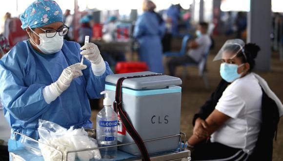 La vacunación contra el COVID-19 a nivel nacional avanza a buen ritmo. Foto: Alessandro Currarino/@photo.gec