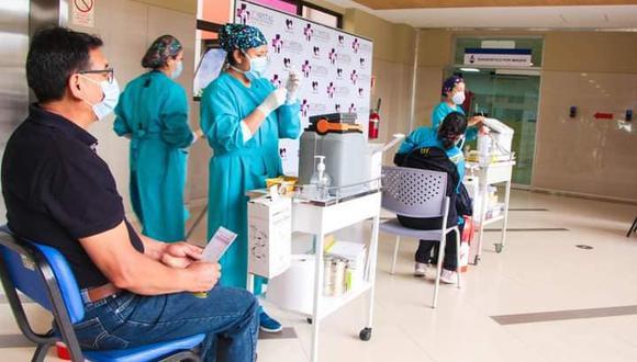 Servidores de salud del Hospital Regional de Ayacucho ya recibieron la segunda dosis de la vacuna contra el COVID-19